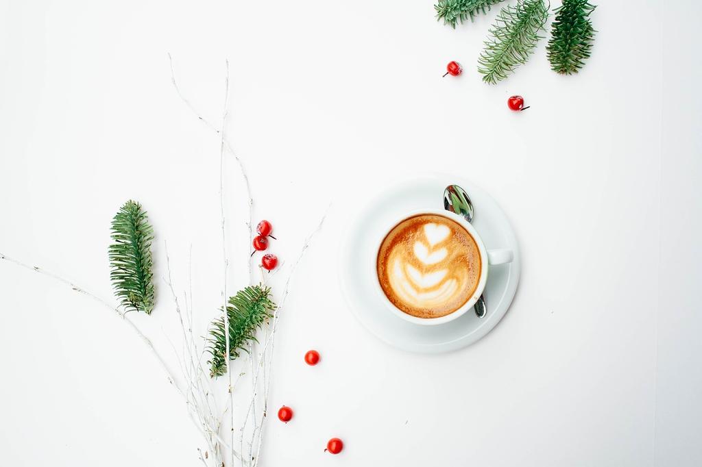 الفرق بين الفلات وايت كوفي و اللاتيه القهوة المختصة مجتمع القهوة