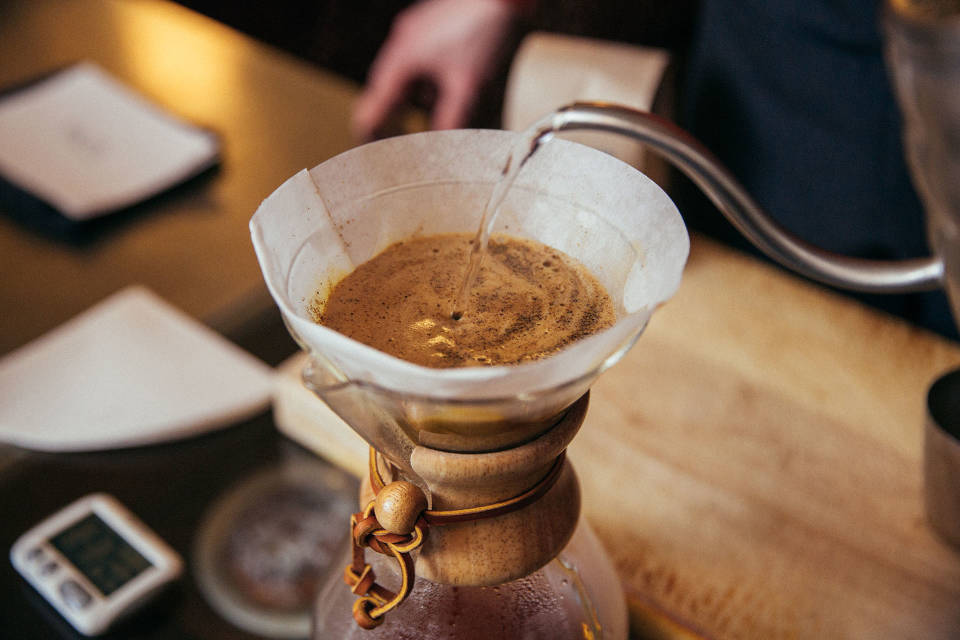 Brew_Guide-Chemex-Step04